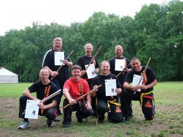 Sikeres vizsgát tettek a karcagi eskrimadorok a nyári eskrima edzőtáborban